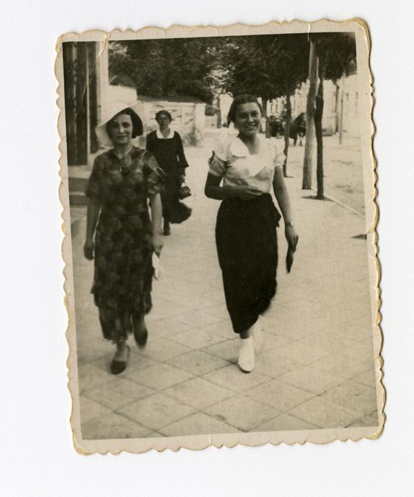 Bronia Jablon larger image and caption